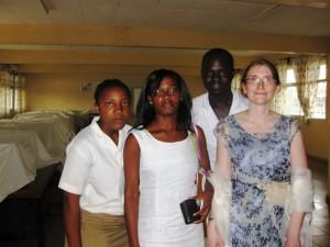 Echanges animés sur les métropoles de Yaoundé et Paris dans Géographie cours-mme-moussima-300x225